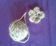 dog_hair_yarn_1001017.jpg